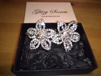 LADIES NEW LARGE DOUBLE FLOWER CLIP INLAID WITH CRYSTALS SIZE 4 INCHES LONG