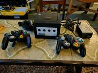 Gamecube with 2 controllers and 2 games