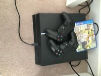 ps4 with Fifa 17 and two controllers