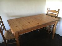 Pine dining Room table and chairs, great condition, small pain mark on two chairs