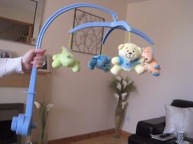 wind up musical mobile - blue - attaches to cot
