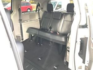 2015 Chrysler Town & Country Touring - MUST SEE VERY CLEAN Belleville Belleville Area image 12