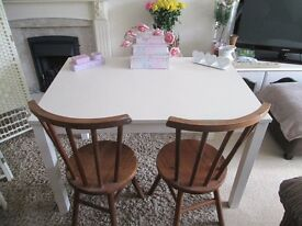 SHABBY CHIC TABLE & 2 CHAIRS