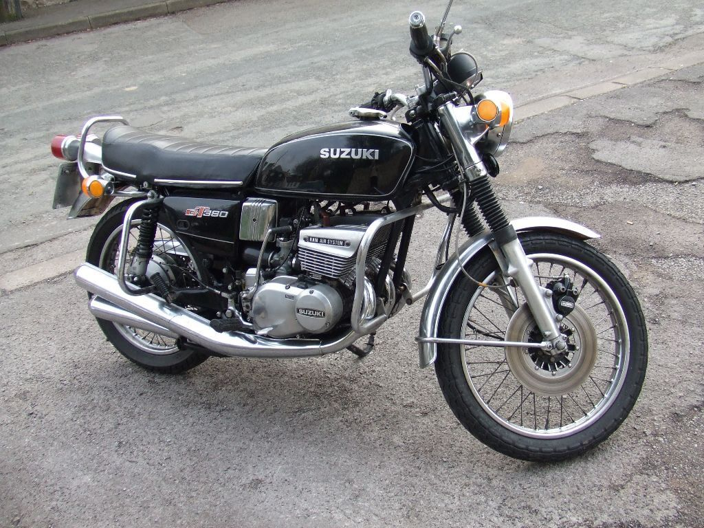 suzuki gt 380 1976 vgc complete bike all working. Black Bedroom Furniture Sets. Home Design Ideas