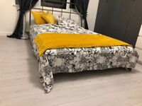 Spacious Double Bedroom close to Tilbury Town Station and Amazon Depot, Rm18