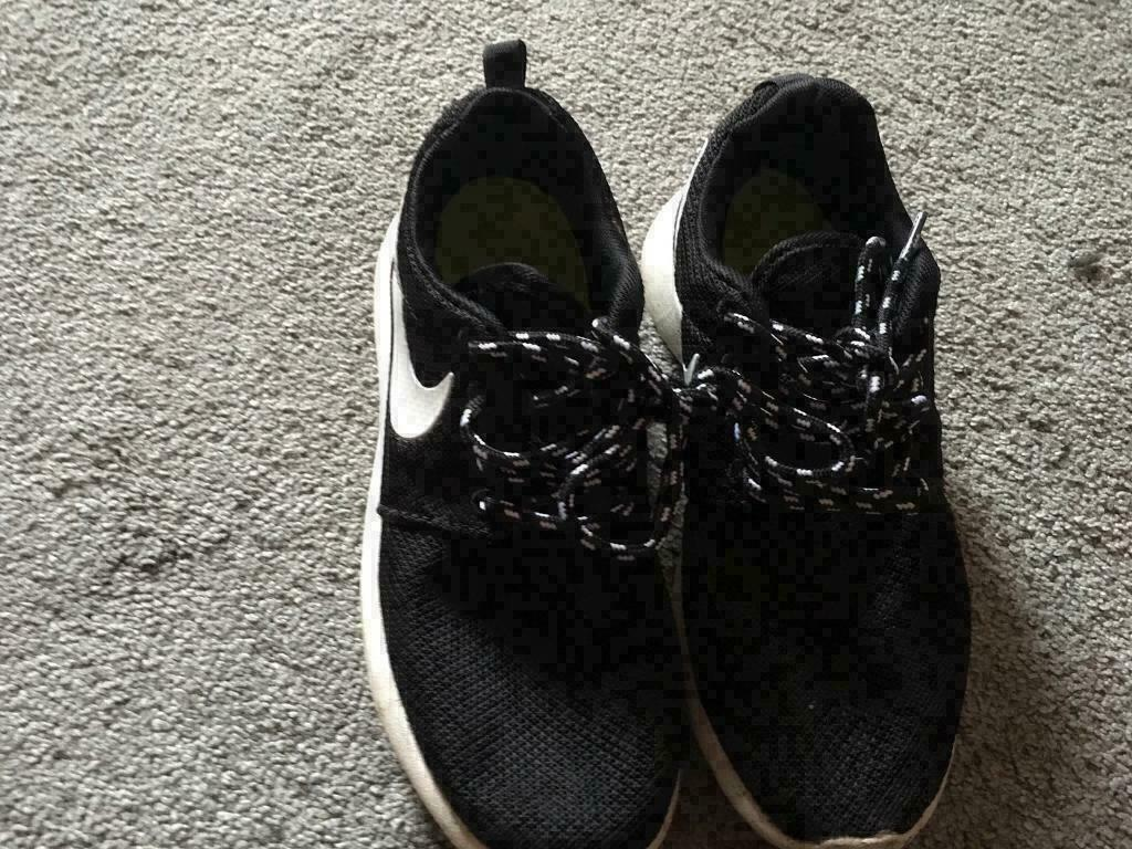 Nike roshe Ladies trainers size 3 used good condition £7  0d931d35a0be
