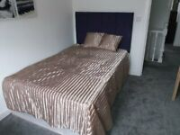 76 Austhorpe Road Executive Room 3-SUPERB EXECUTIVE PROPERTY-ALL BILLS INCLUDED-FREE WIFI!!!
