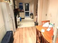 MODERN DOUBLE ROOM AVAILABLE NOW IN WALTHAMSTOW E17 6RA. ONLY 590PCM. GREAT TRANSPORT LINKS.