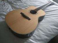 EASTMAN AC422 ACOUSTIC GUITAR COMPLETE WITH CASE ( NOT MARTIN OR TAYLOR )
