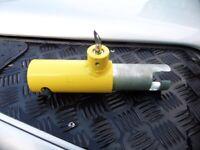 Land Rover Defender Td5 Gear stick lock