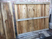 3 x 1.5 metre - 5 foot wooden garden fencing close board fence panels **USED**