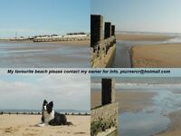 Dymchurch Luxury self catering bungalow sleeps 5 footpath access to long sandy beach 200 yards