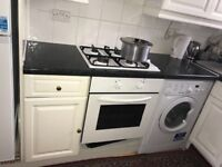 Lovely beautiful double bedroom available to rent in flat Greenford ALL BILLS included 450 per month