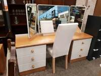Modern dressing table with drawers