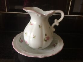 MARKS AND SPENCER CERAMIC JUG AND DISH