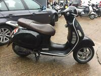 2004 Vespa Gts 125cc learner legal 125 cc scooter with 1 Years MOT.