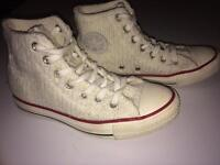 Converse knitted all stars boots very rare size 4