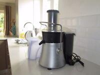 Breville Pro Kitchen Whole Fruit Juicer Model JE16 750w
