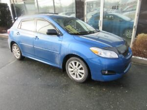 2010 Toyota Matrix AUTO WITH ALLOYS, ROOF RACKS, & ONLY 141K