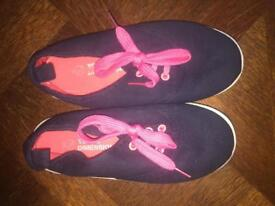 Girls navy and pink pumps uk 11
