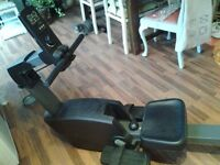 Rowing machine very good condition needs a wipe 5 different settings Grab yourself a bargain😊