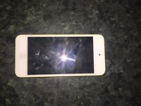 IPOD TOUCH FOR SALE:PERFECT CONDITION