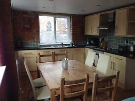 Macclesfield- Spacious first floor fully furnished Apartment with private parking