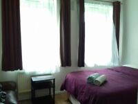 (1.3) Double room in Cheylesmore house, Turin Street, walking distance to Liverpool Street