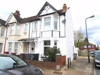5 bed terraced house in Sudbury