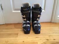 Ladies size uk6 Lange ski boots