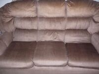 SOFA FREE FREE GONE PENDING PICK UP.