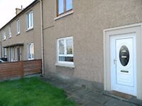 3 bedroom lower villa flat to rent in Broomhouse, available end January