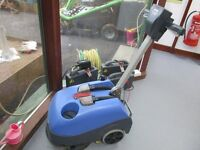 REDUCED NUMATIC TWINTEC 1840 BATTERY OPERATED FLOOR CLEANER
