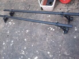 car roof bars - Halfords own version of THULE system