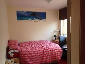 NICE DOUBLE ROOM IN BELMONT - DH1 2aa - 70 PER WEEK