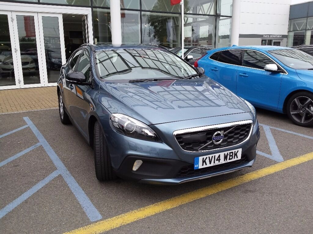 volvo v40 d3 150bhp lux nav cross country manual metallic biarritz blue 2014 volvo. Black Bedroom Furniture Sets. Home Design Ideas