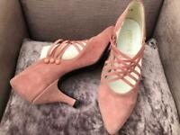 Ladies Vintage Suede Leather Heels Shoes - UK 3