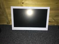 """22"""" white tv for sale £30"""