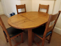 Toulouse Oak Round Extendable Dining Table & 4 Chairs from Harveys Excellent Condition