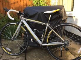 """Womens/Junior road bike, in excellent condition. Frame size 43cm = Height 5' 2"""" – 5' 6"""""""