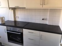2 Bed Newly Refurbished with Excellent Transport Links