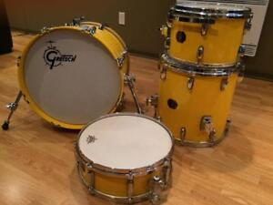 Gretsch USA Custom w/cymbals, hardware, throne and softbags