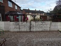 WROUGHT IRON RAILINGS / METAL FENCE / DRIVEWAY / GARDEN FENCE / STEEL / RAILINGS / BOW TOP FENCING