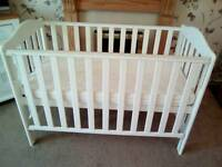 EXCELLENT CONDITION JOHN LEWIS COT WITH EXCELLENT CLEAN CONDITION JOHN LEWIS MATTRESS £40