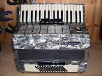 Weltmeister Stella, 60 Bass, 34 Treble Keys, Piano Accordion.