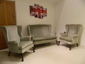 Parker Knoll armchairs and sofa suite