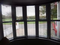 2 sets of 5 Venetian blinds. Dark grey. As new, hardly used.