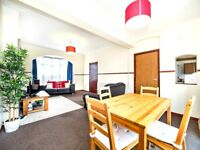 ****Large Double Room With Great Links To City - Gym/Supermarket - Great Amenities****