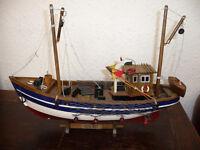 WOODEN MODEL SHIP FISHING BOAT CELTIC MIST ON STAND