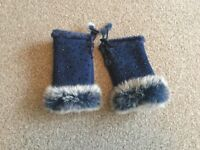 Gloves, ladies fingerless blue gloves with fur trim
